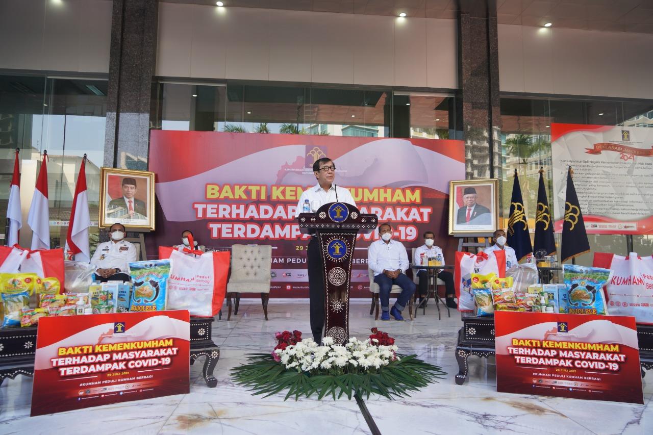 Kemenkumham Salurkan 46.000 Paket kepada Masyarakat Terdampak Covid-19